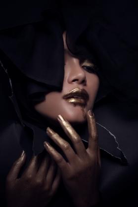 Makeup: Valentina Chang/ Photographer: Muhammad Arifin/ Model: Serpihan Swara